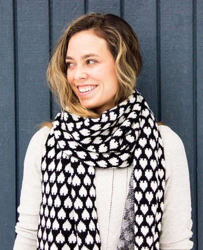 100% Cashmere Heart Scarf - BW