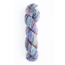 Load image into Gallery viewer, Uneek (Mercerized) Cotton Yarn - 1.1 lb Cones