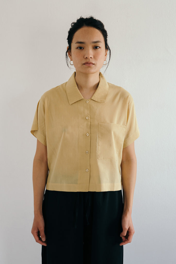 Cropped Shirt in Curry