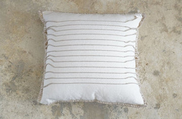 THREADS COTTON CUSHION (50X50)