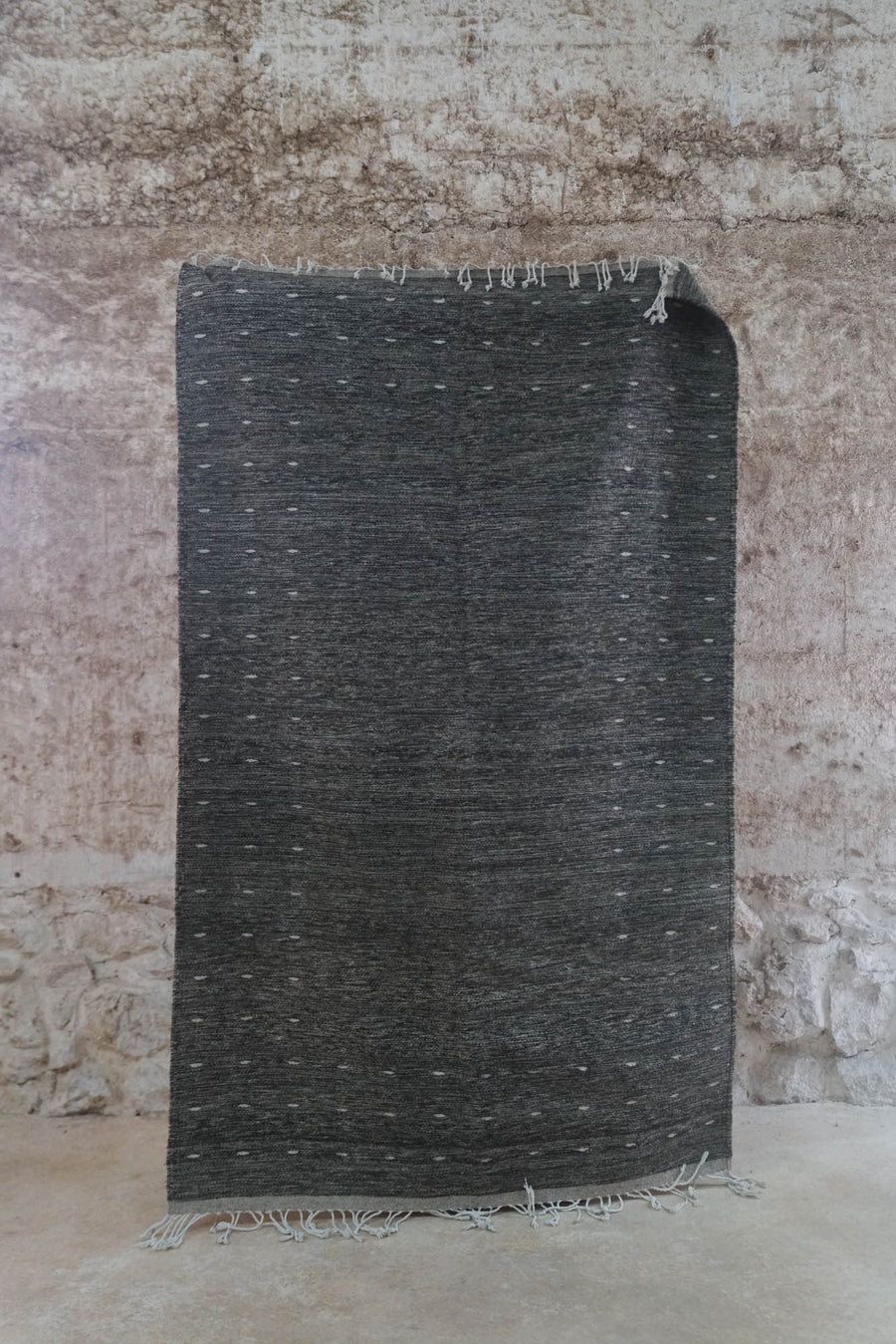 SOLID GREY ZAPOTECA WORLD BY HAND DESING (5X8 FT)