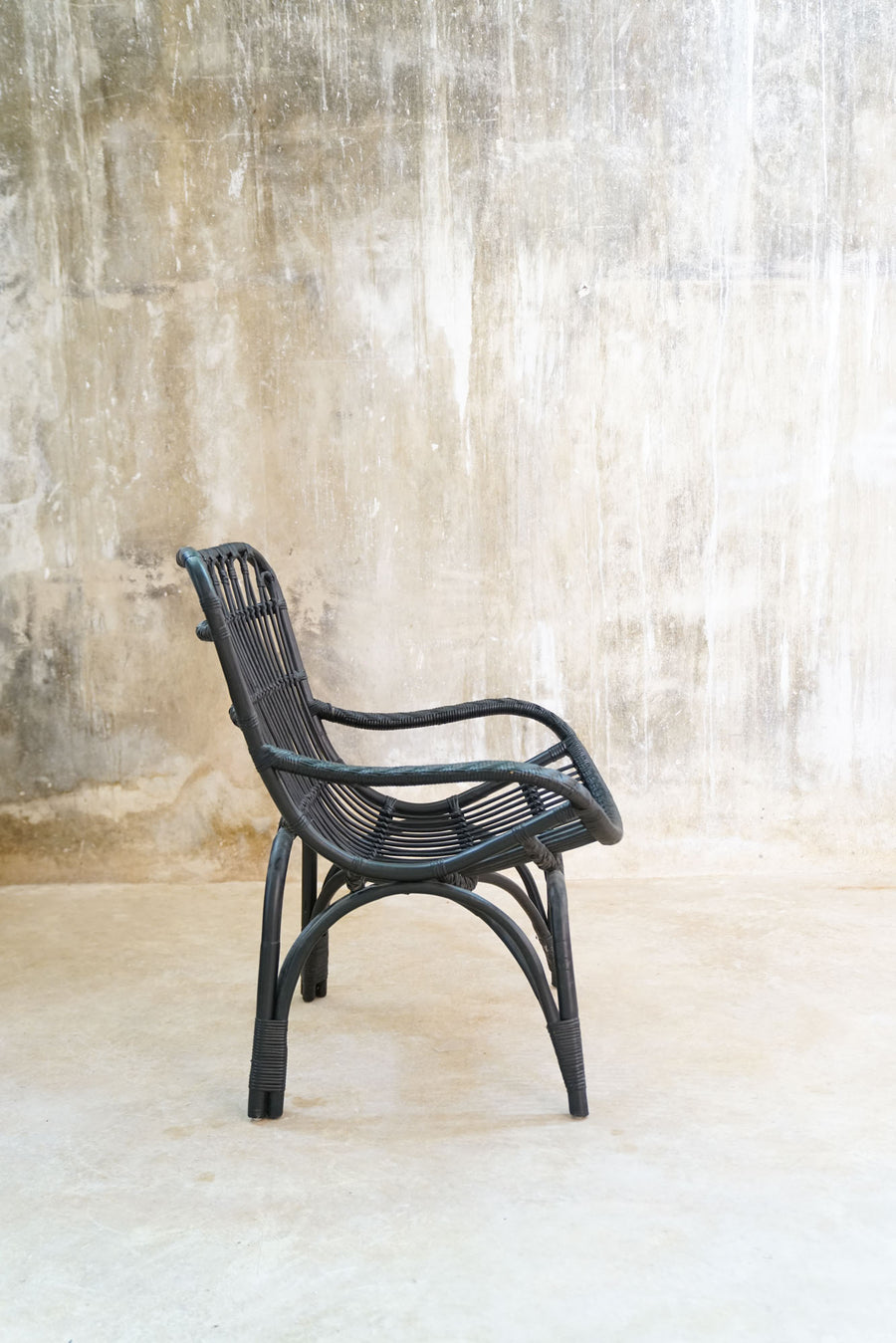 BLACK RATAN CHAIR