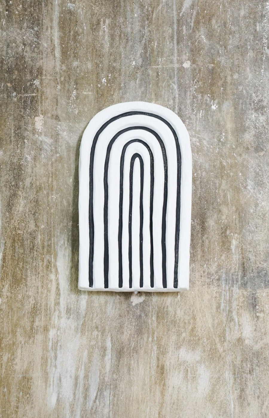 BLACK AND WHITE LONG U SHAPE WALL HANGING