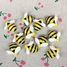 Load image into Gallery viewer, Flat Back Resin Cabochon Bee