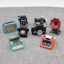 Load image into Gallery viewer, Vintage Toys