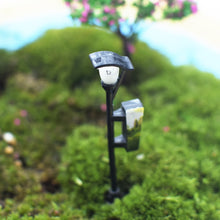Load image into Gallery viewer, Streetlight Lamp Miniature Fairy