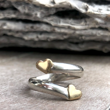 Load image into Gallery viewer, Solid silver twist ring with two gold hearts