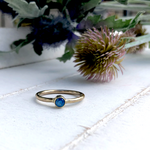 'Ti amo'. Solid gold birthstone ring
