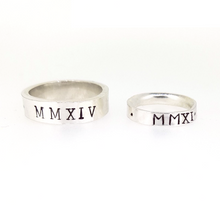 Load image into Gallery viewer, Personalised Roman numerals wedding rings. 9ct solid gold
