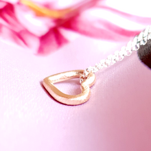 Load image into Gallery viewer, Solid gold sweetheart necklace