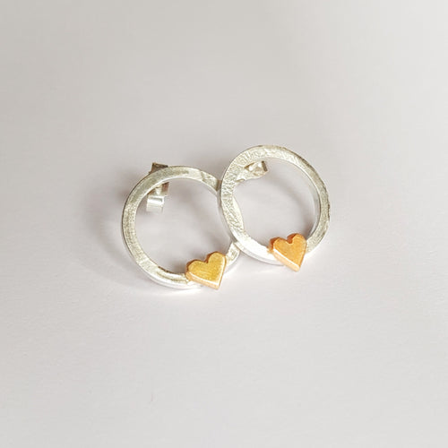 'One love' earrings with solid gold hearts