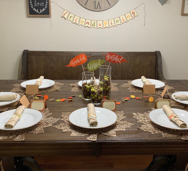 Friendsgiving Décor Kit