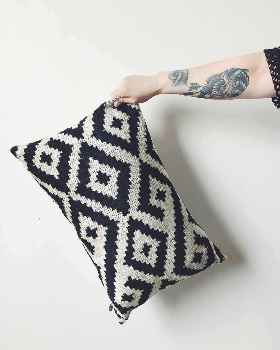 BLACK + WHITE SILK PILLOW