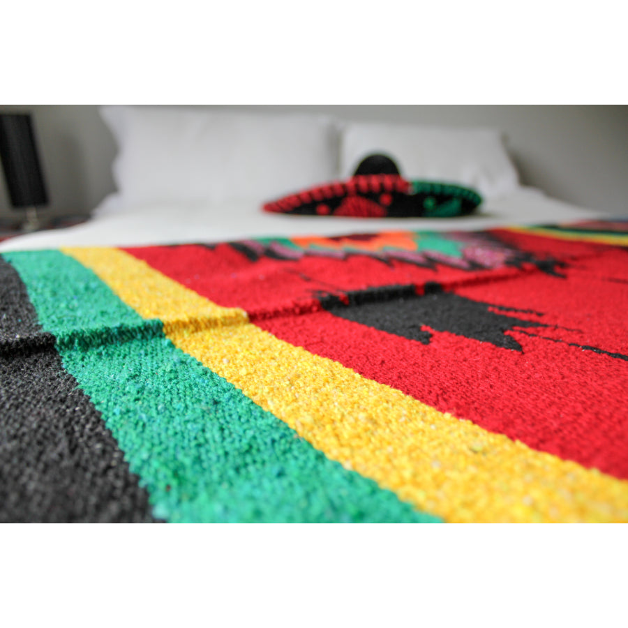 Woven Mexican Blanket - Saltillo Diamond Centre Style