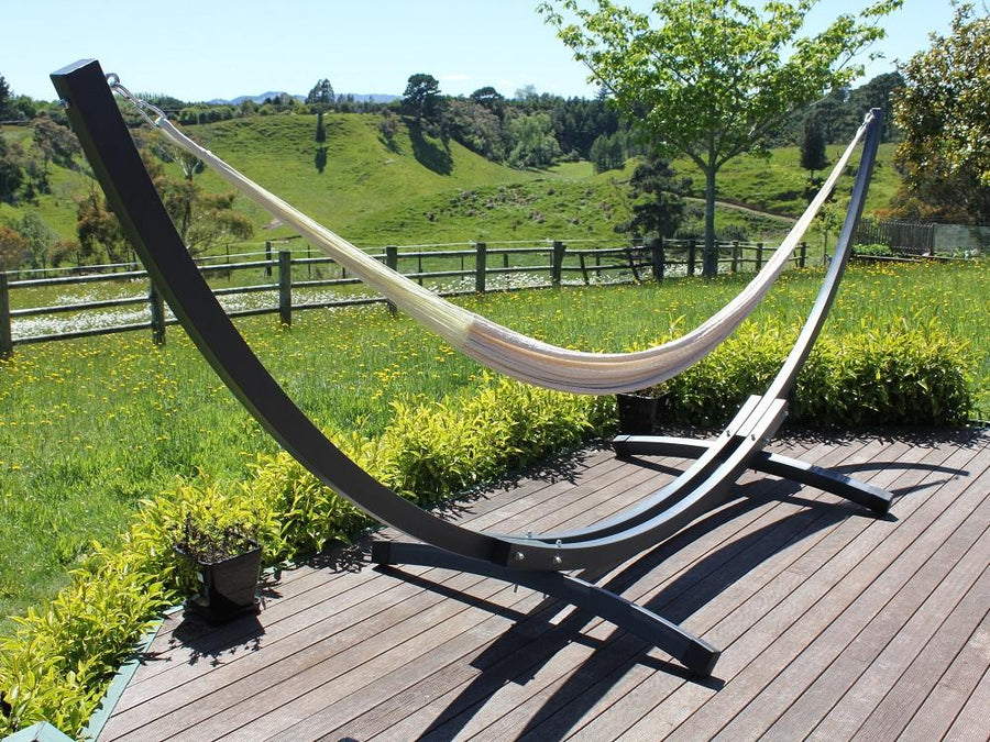 Curved shape hammock frame on deck