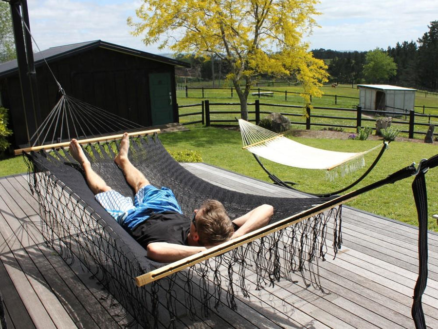 Mexican woven cotton spreader bar hammock