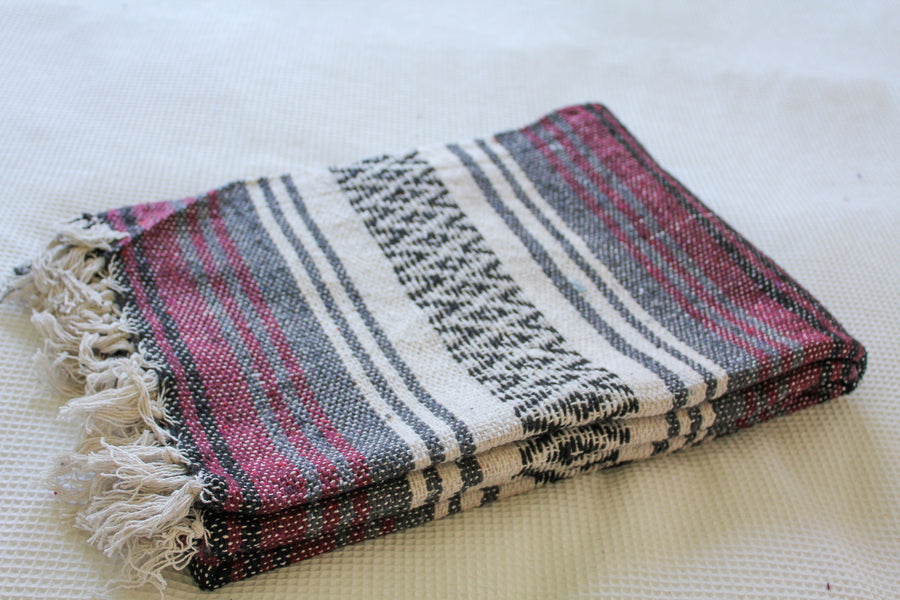 Multi-coloured striped Mexican blanket - falsa