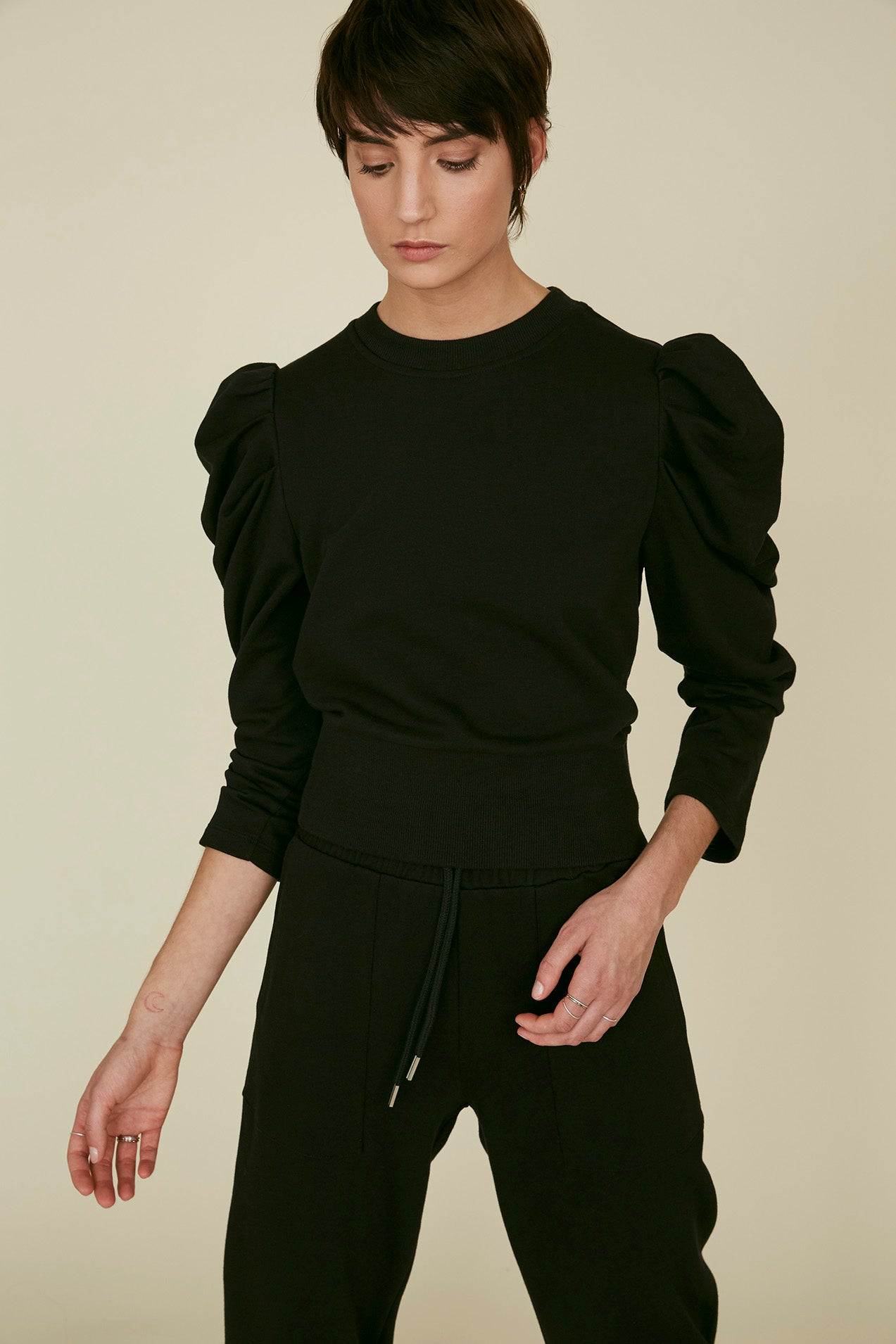 The Just Enough Puff Sweatshirt in Black