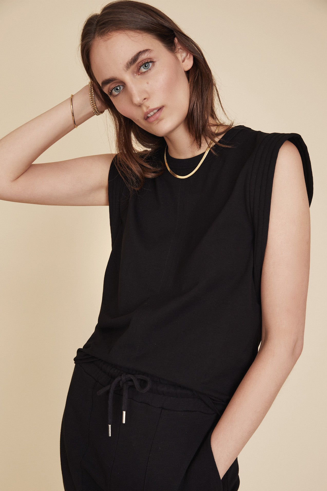 The Gimme That Shoulder Tee in Black