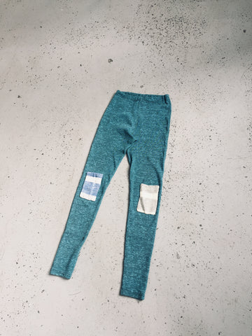 leggings turquoise with two square patches on the knees