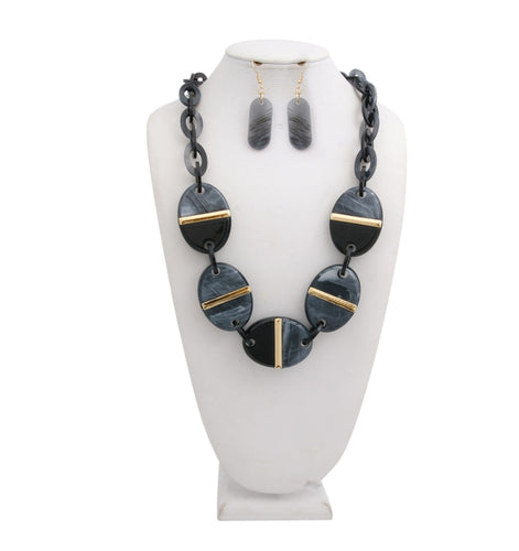 Black Link Necklace Set Featuring Oval and Gold Bar Detail
