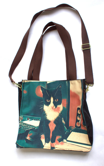TechnoCat La Pew Shoulder Bag