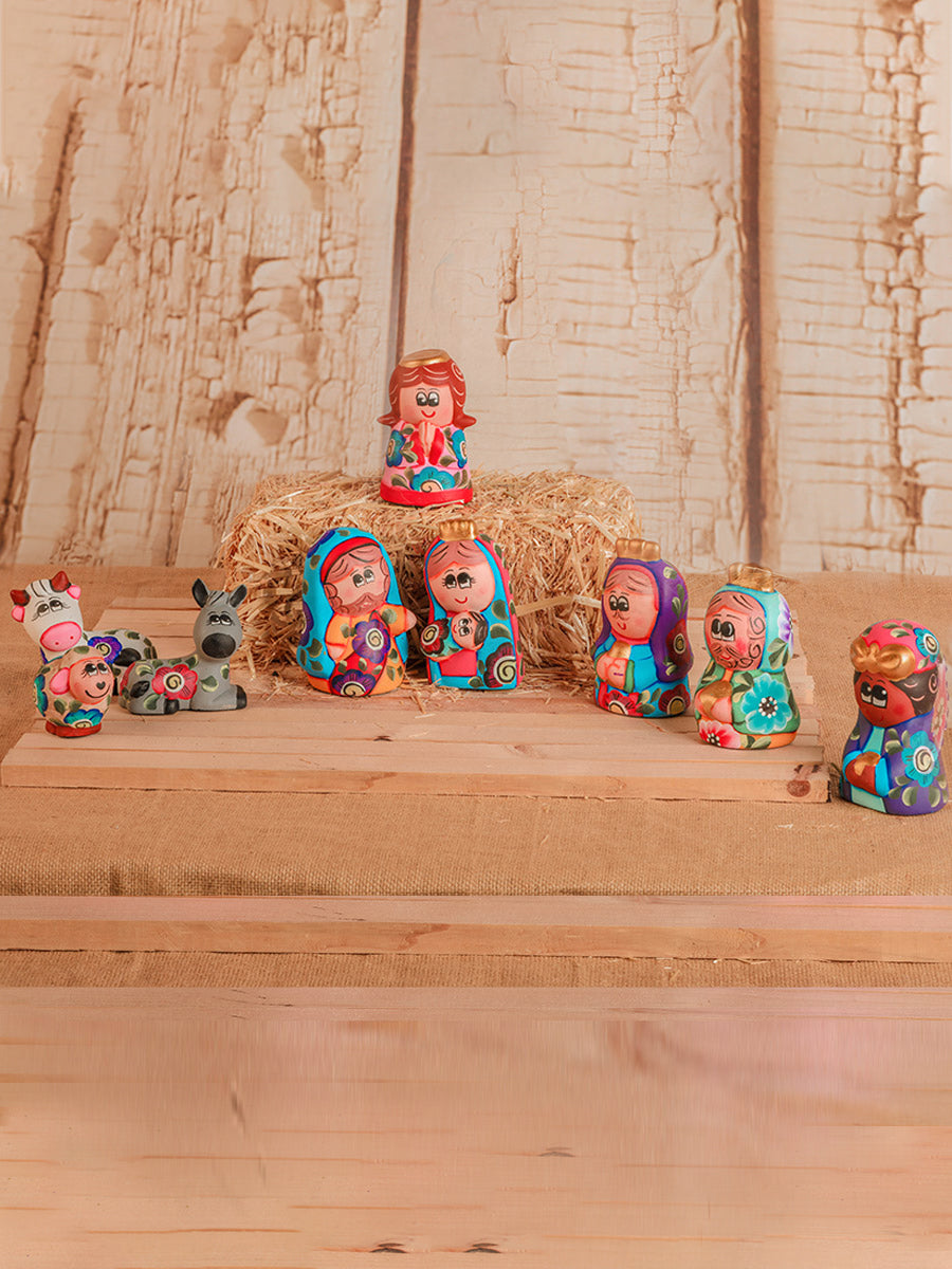 Ceramic Nacimiento De 9 Pc Ceramica Pintada A Mano - Ceramic Hand Painted Artisanal Nativity 9 Pc Set