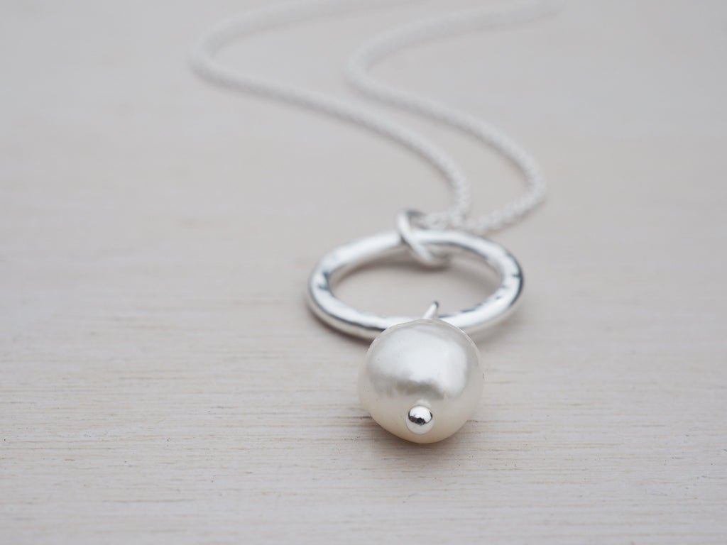 Pearl & Silver Circle Necklace | Sterling Silver