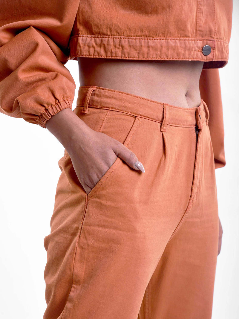 Carrot fit jeans in rust