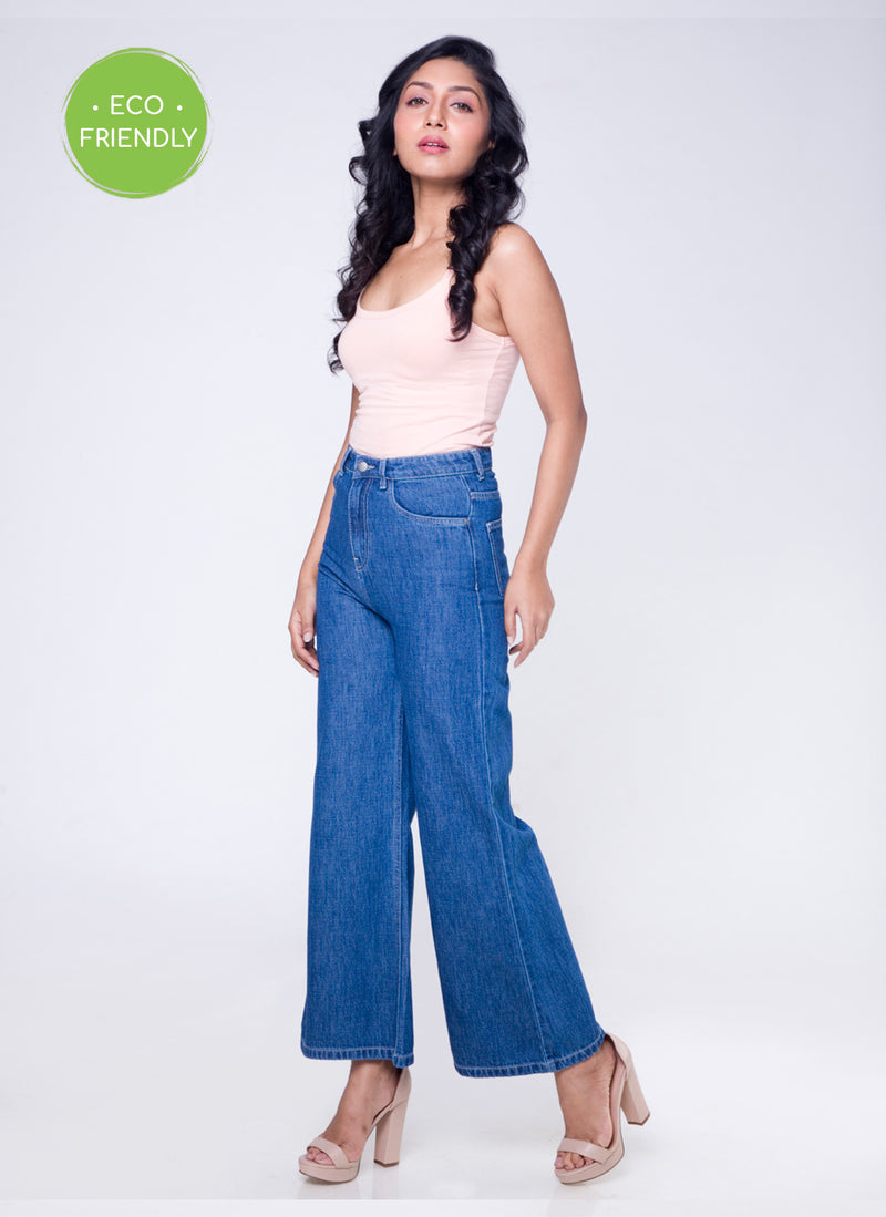 ECO WASHED MID BLUE FLARED JEANS