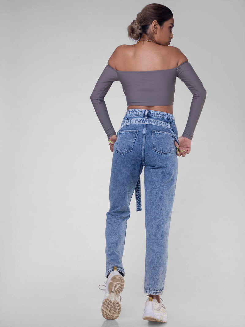 Mom jeans with bag