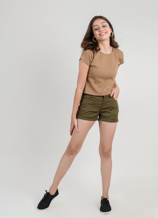 BASIC SHORTS IN OLIVE