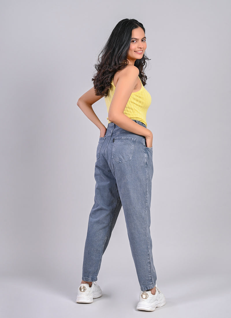 SLOUCHY JEANS IN STONE GREY