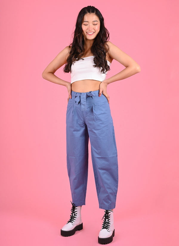 PLEATED BAGGY PANTS WITH BELT IN COBALT BLUE