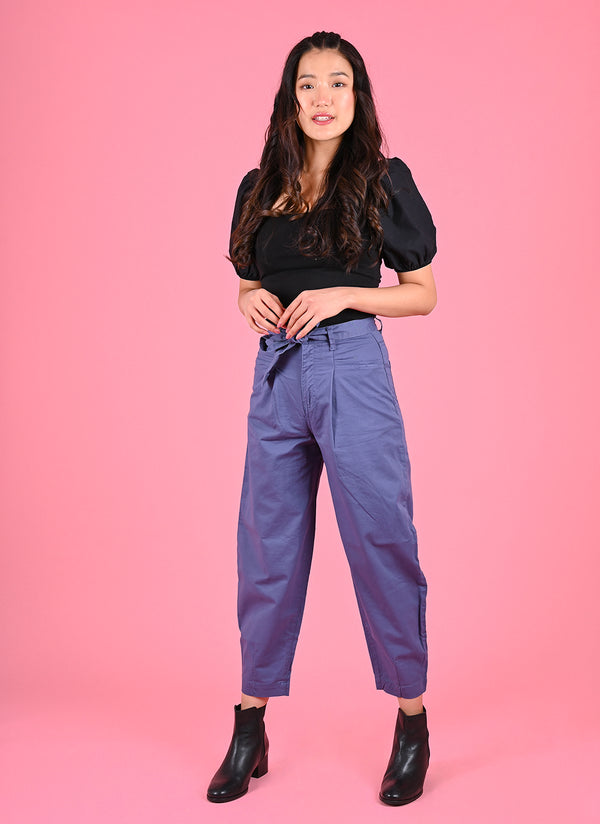 PLEATED BAGGY PANTS WITH BELT IN SAPPHIRE BLUE
