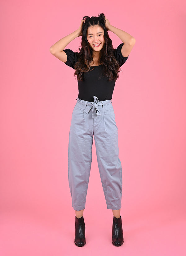 PLEATED BAGGY PANTS WITH BELT IN LIGHT BLUE
