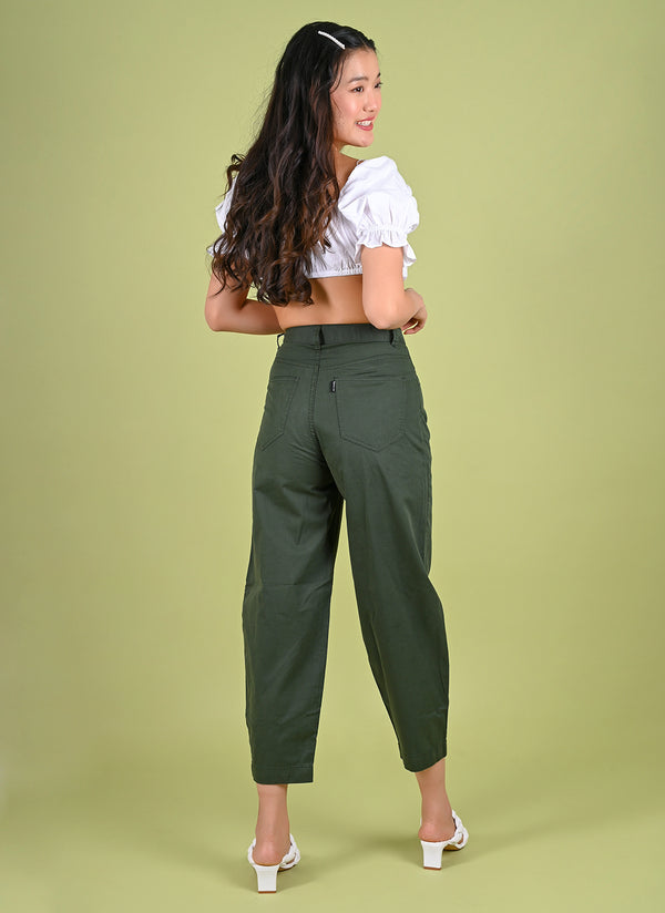 PLEATED BAGGY PANTS WITH BELT IN OLIVE