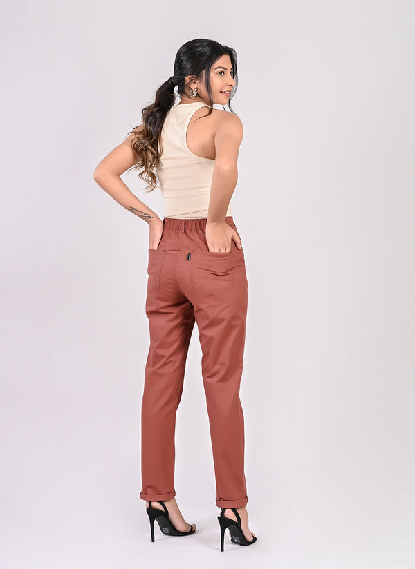ELASTICATED MOM PANTS IN BRONZE