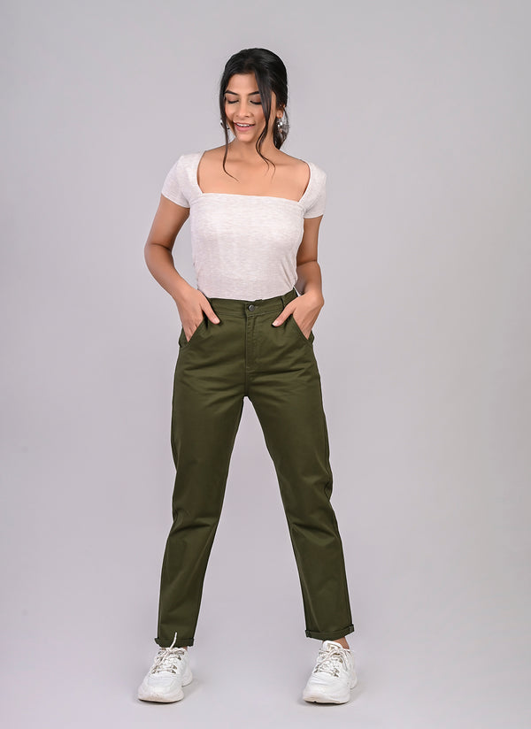 ELASTICATED MOM PANTS IN LEAF GREEN