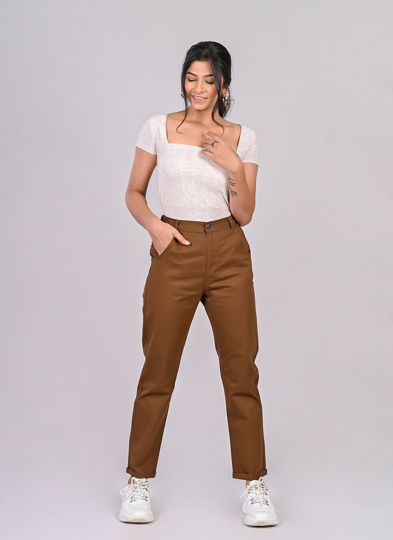 ELASTICATED MOM PANTS IN BROWN