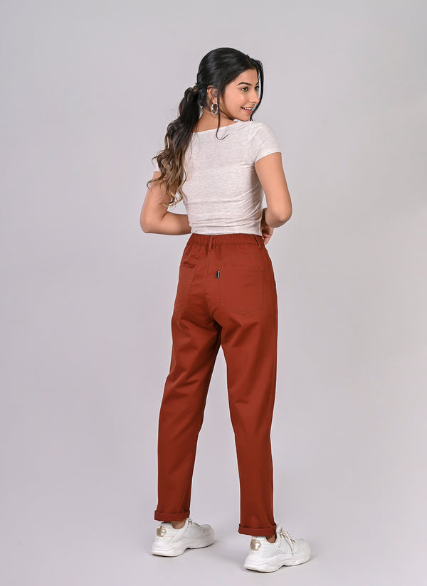 ELASTICATED MOM PANTS IN RUST