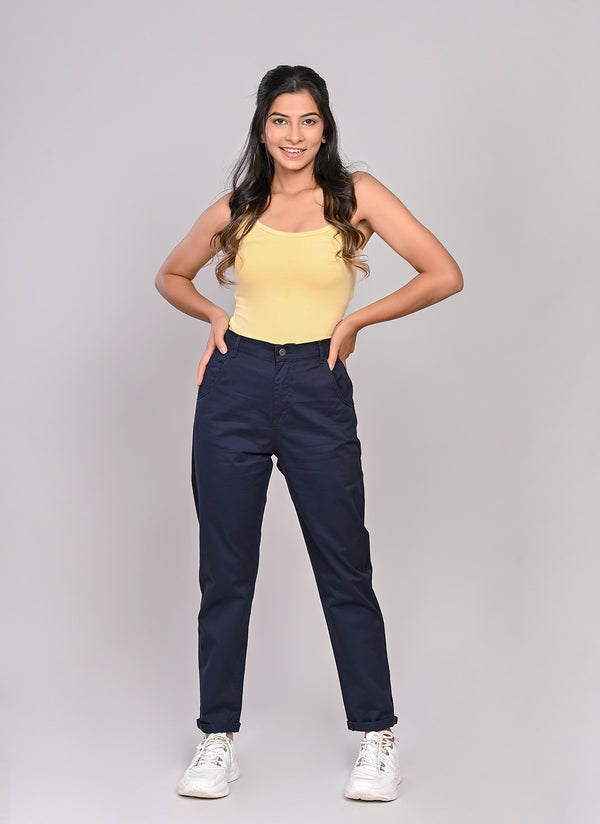 ELASTICATED MOM PANTS IN NAVY