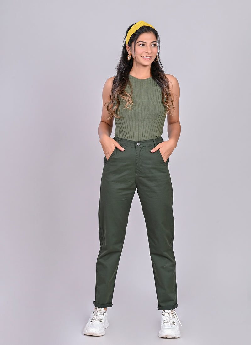 ELASTICATED MOM PANTS IN OLIVE
