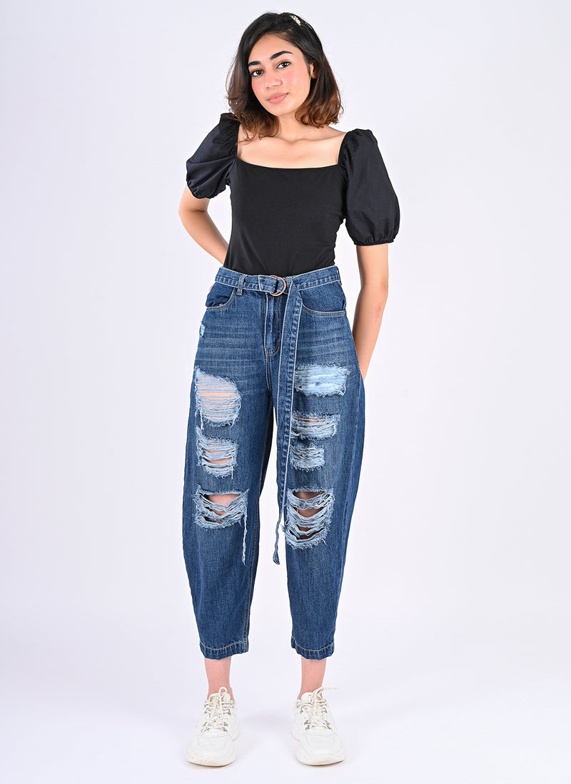 DISTRESSED BELTED BAGGY JEANS