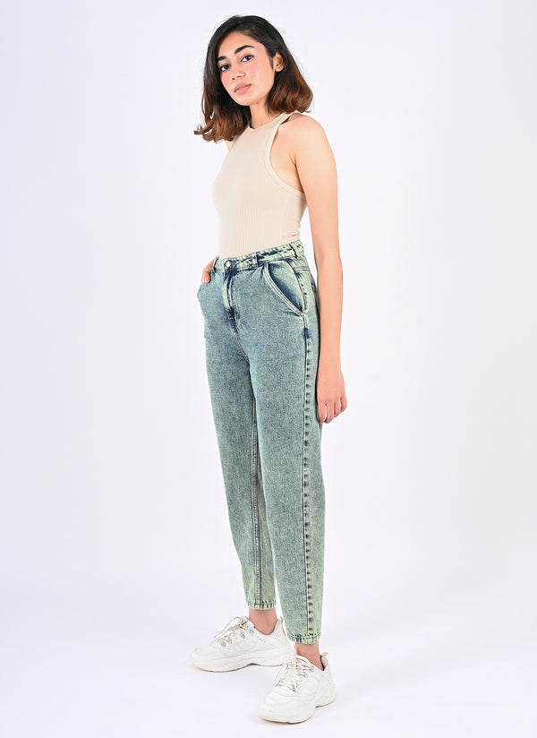 TINTED SLOUCHY JEANS