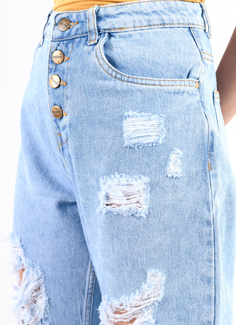 LIGHT BLUE RIPPED CARROT JEANS