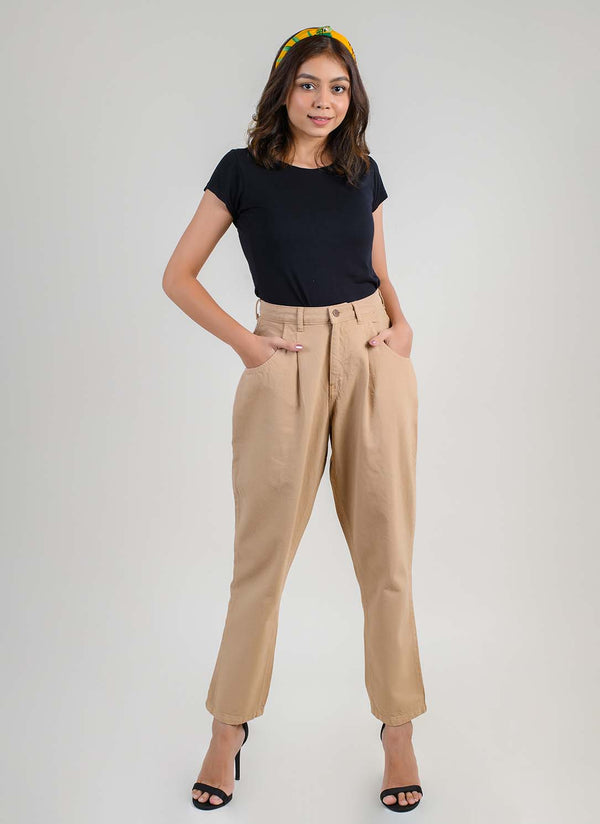 BEIGE PLEATED SLOUCHY JEANS