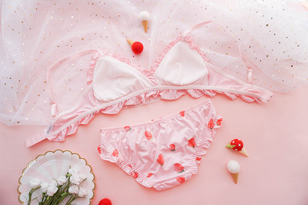 Cute Sexy Strawberry Bra Underwear Set - juwas.com online store
