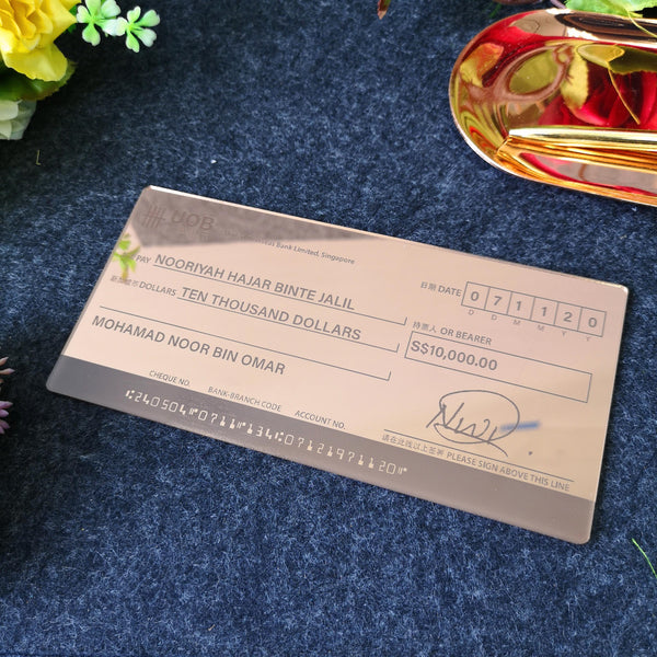 Mock up Cheque (Vintage Gold Acrylic)