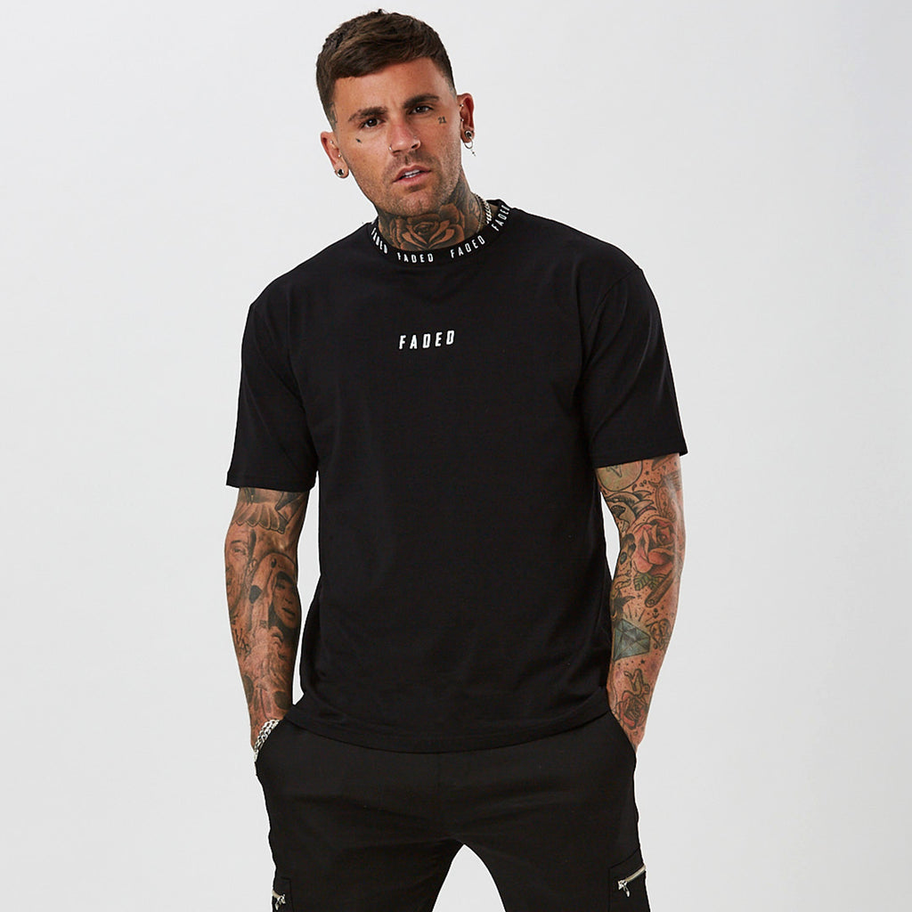 mens streetwear t-shirt - branded neck in black